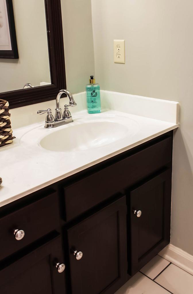expoxy paint on bathroom countertops