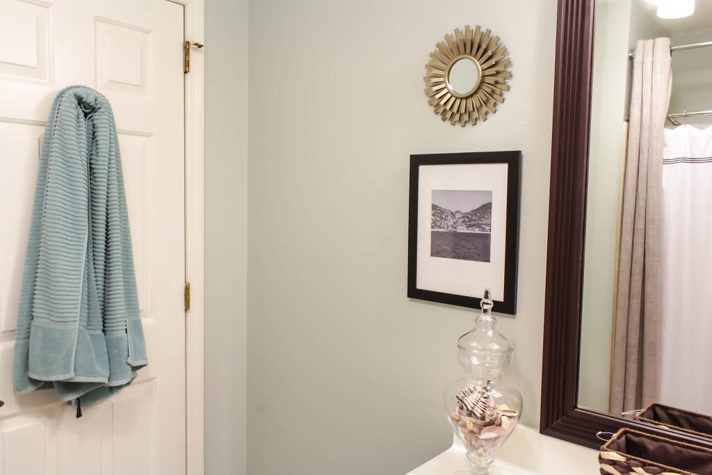 smalle bathroom remdoel diy