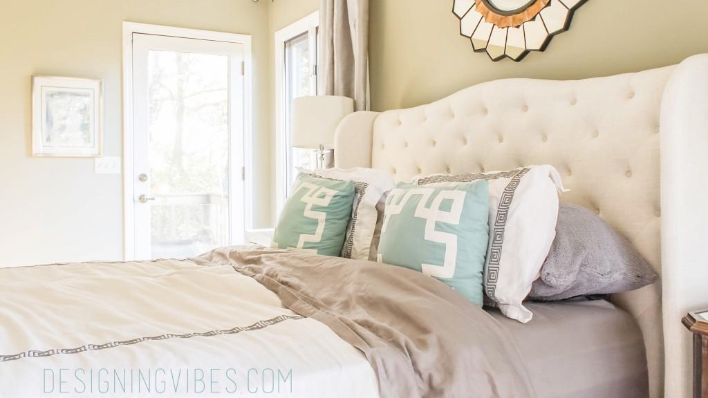 elegant and simple bedroom