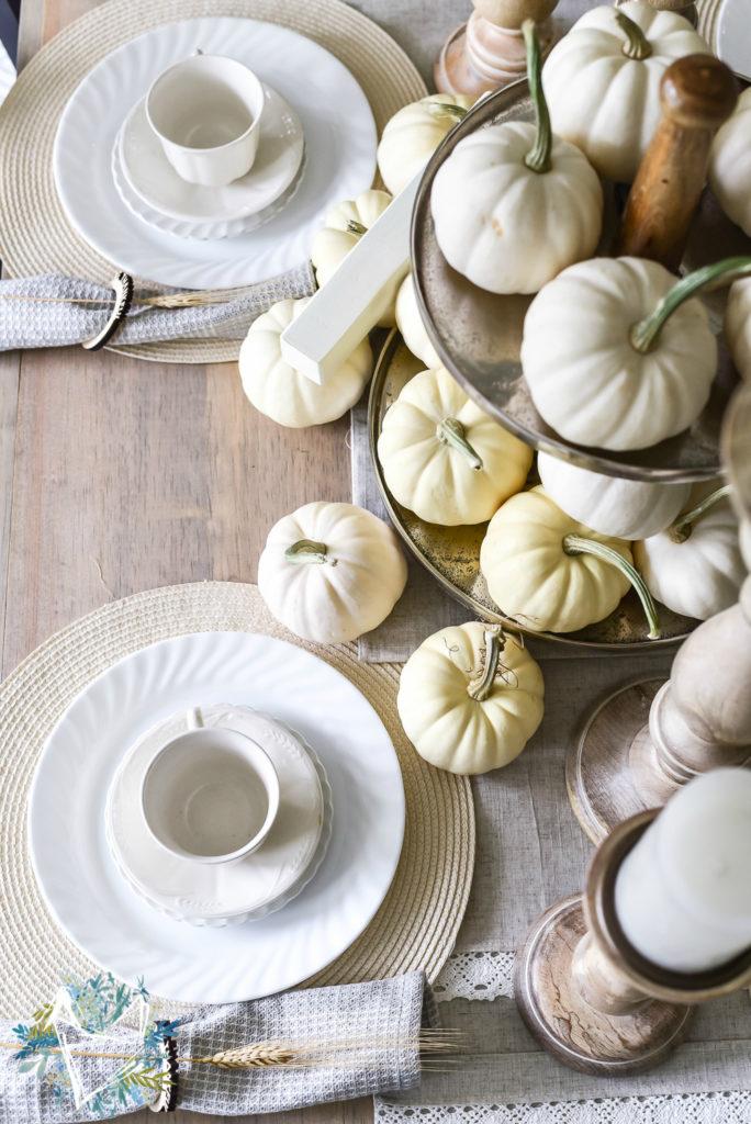 farmhouse thanksgiving table decor