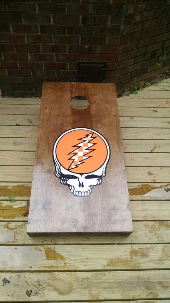 how to make a custom cornhole board