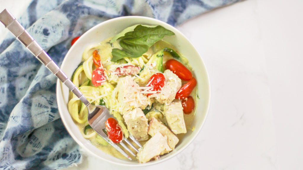 low-carb chicken bacon alfredo with zucchini noodles