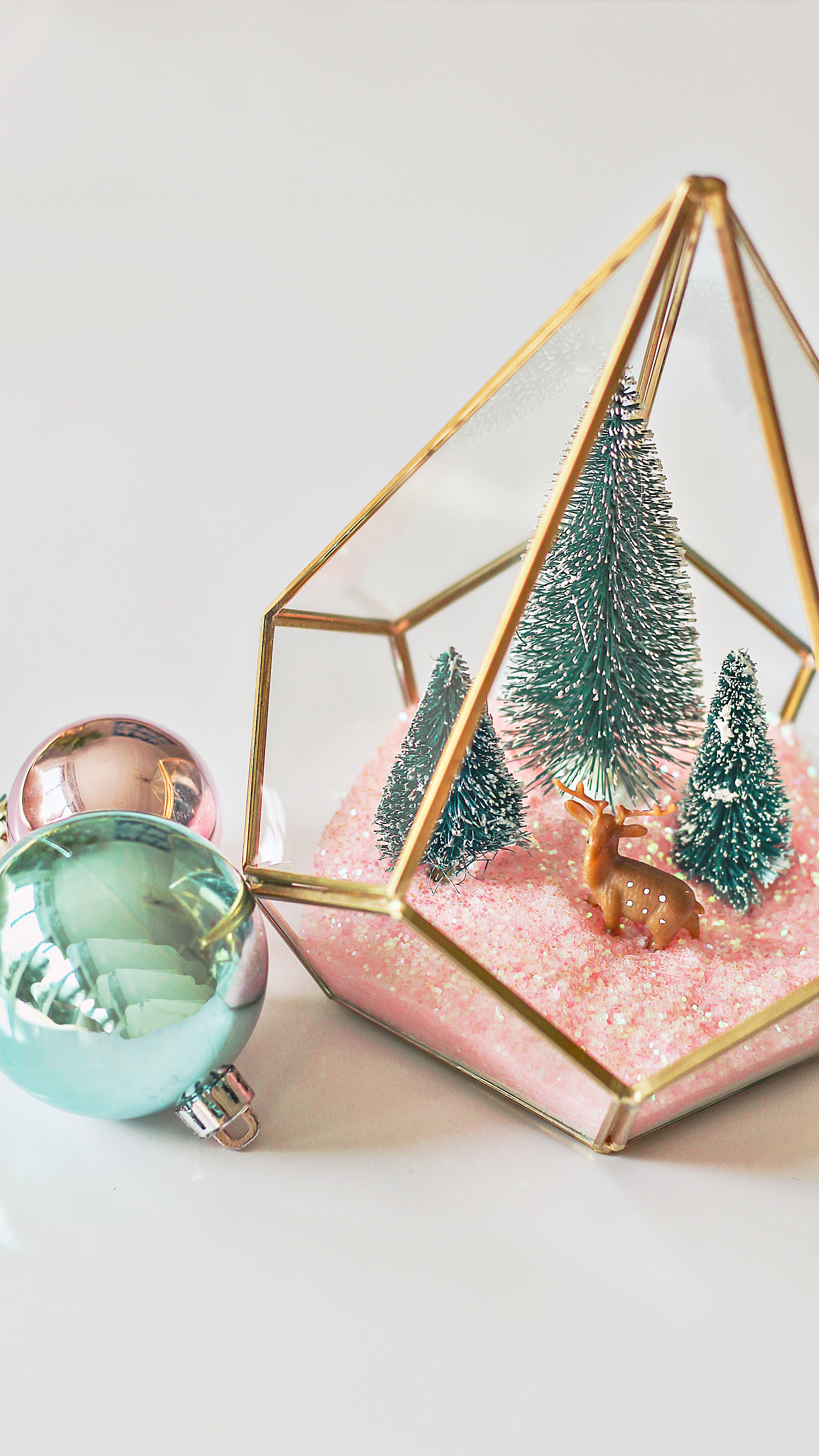 Modern Christmas Terrarium DIY - Easy Christmas Craft Ideas