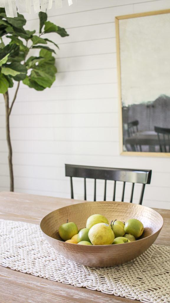 contemporary farmhouse decor