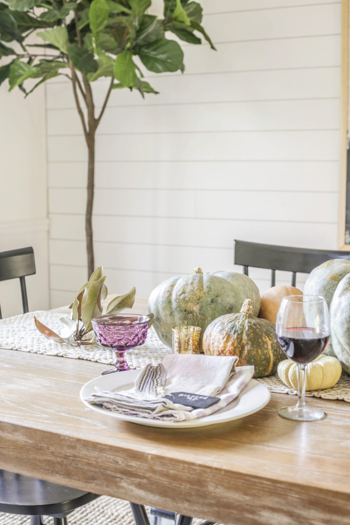 earthy simple thanksgiving table