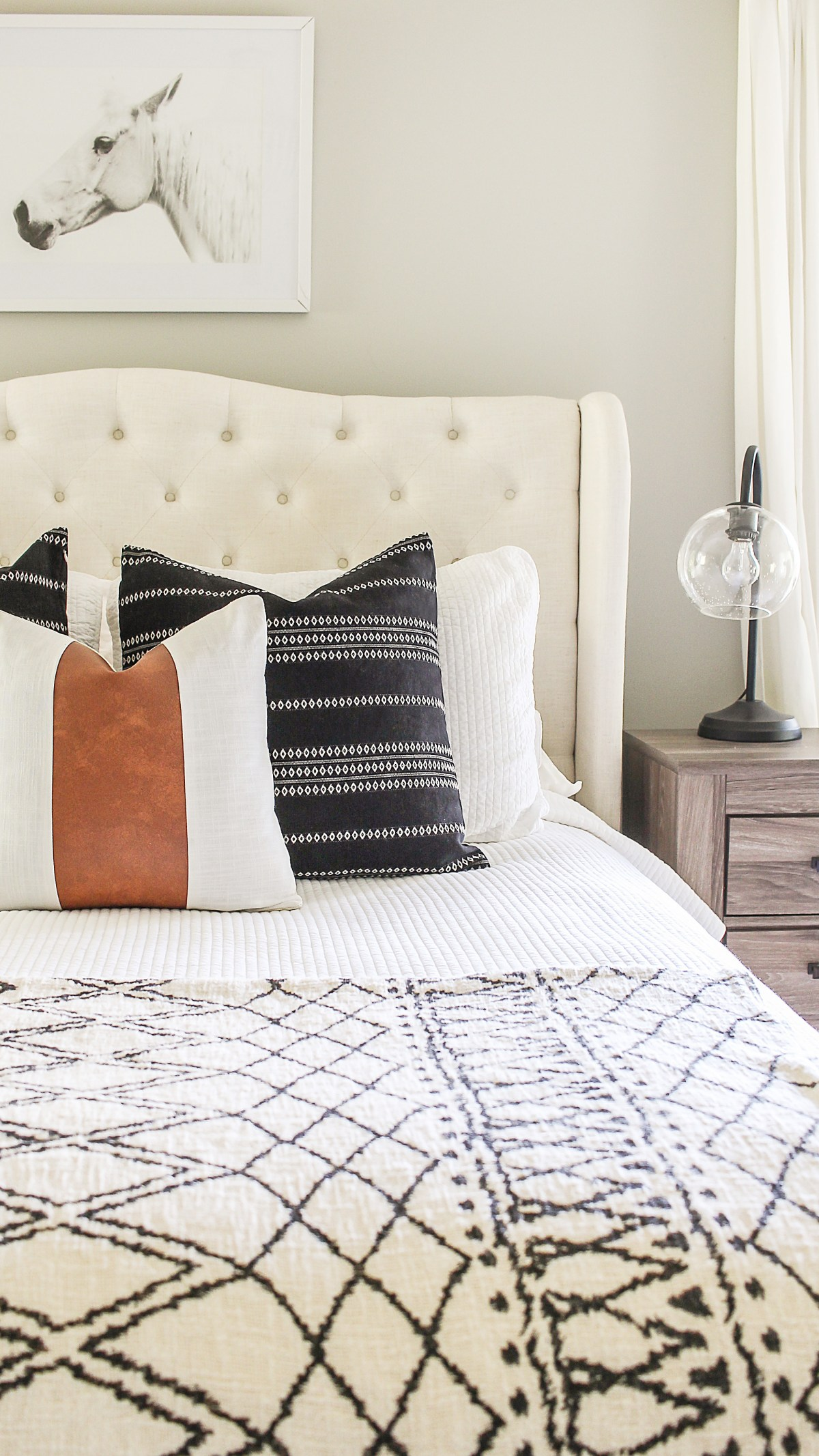 modern farmhouse throw pillows and pillow covers on the cheap