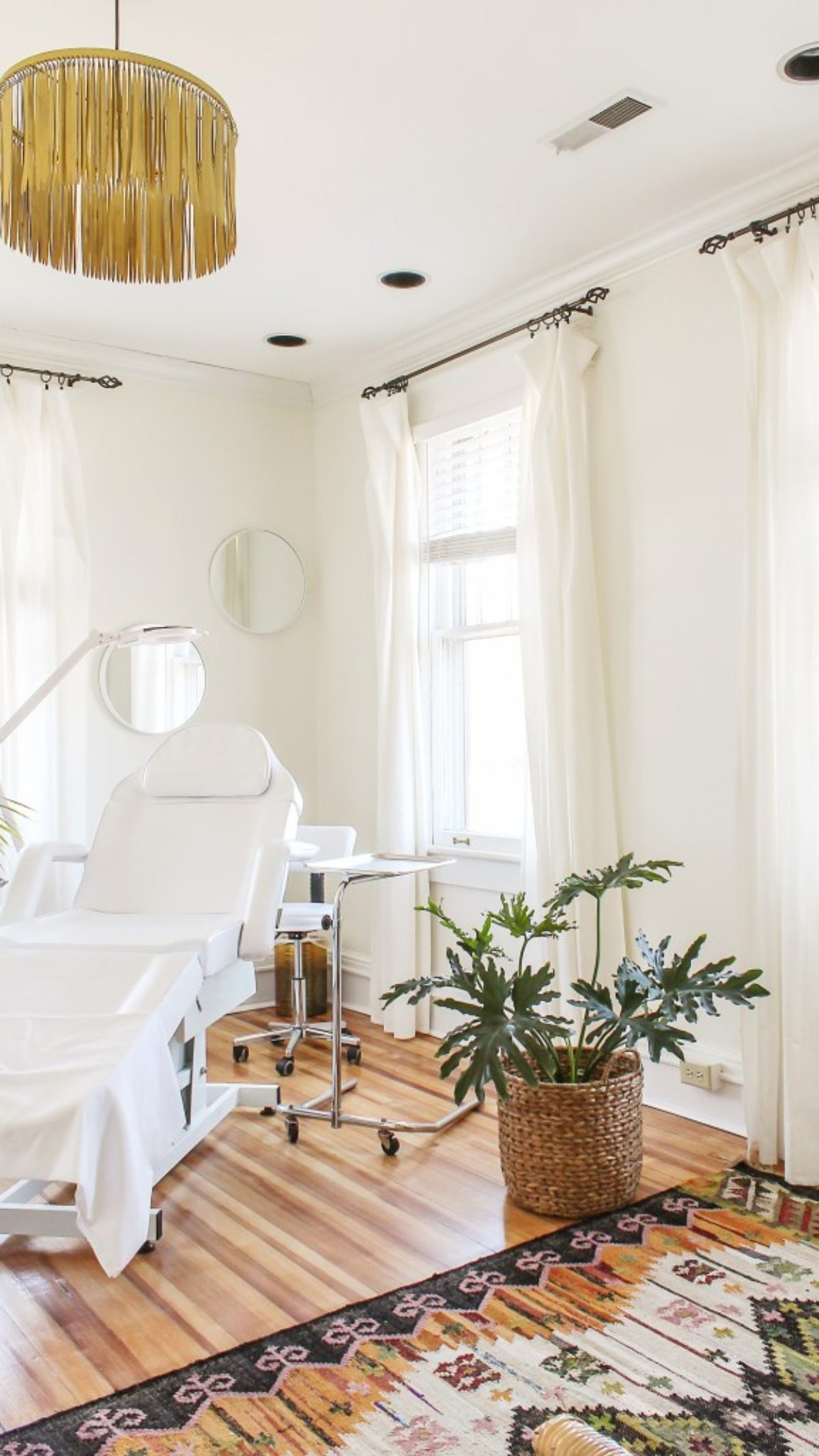 My Review Of Swiss Coffee By Benjamin Moore Warm White Paint Colors