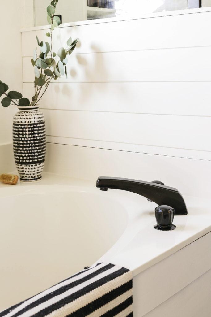 diy modern farmhouse faucet makeover