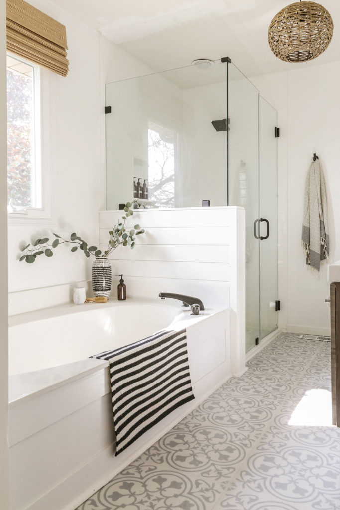 moddern farmhouse bathroom remodel