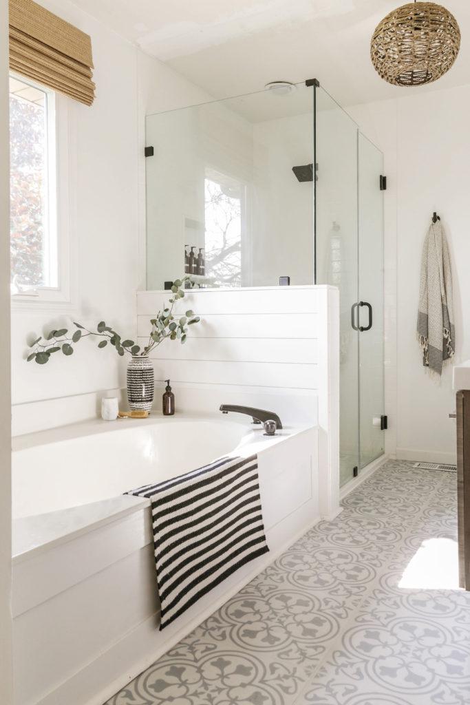 moddern farmhouse bathroom remodel