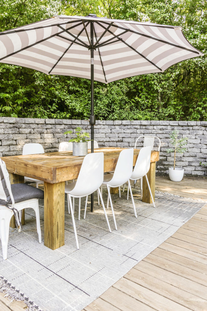 diy outdoor dining table on the cheap