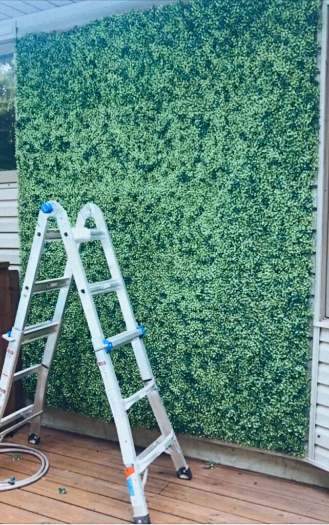 diy selfie hedge wall with faux boxwood